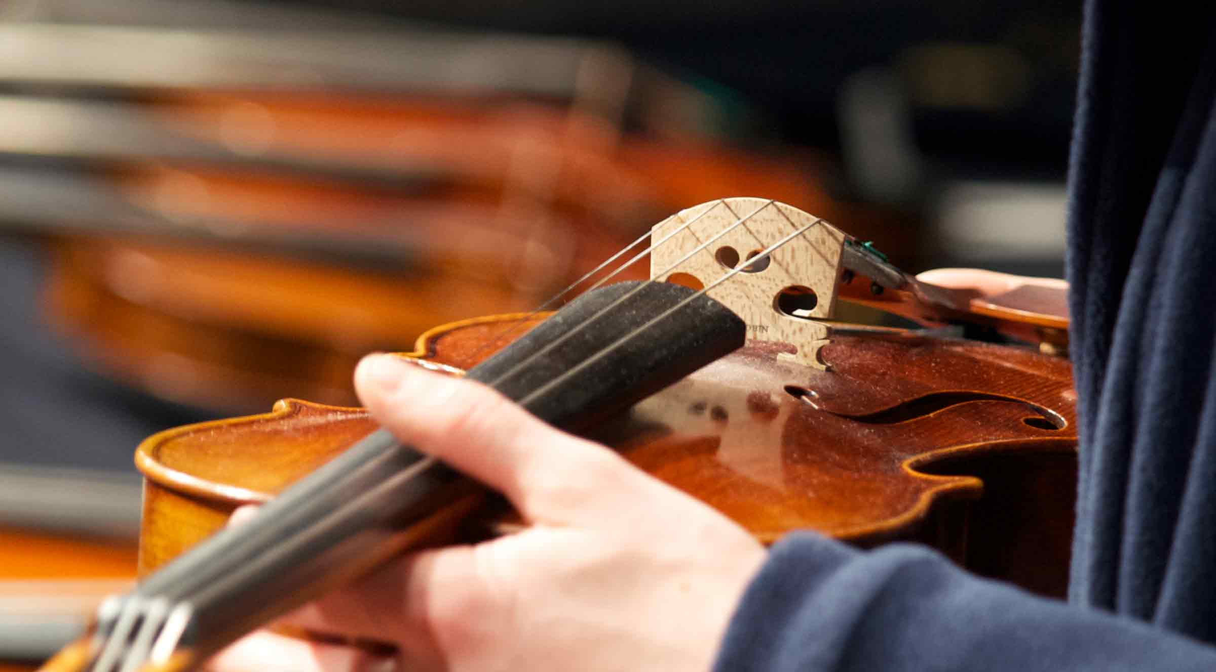 Geige Saiten oben