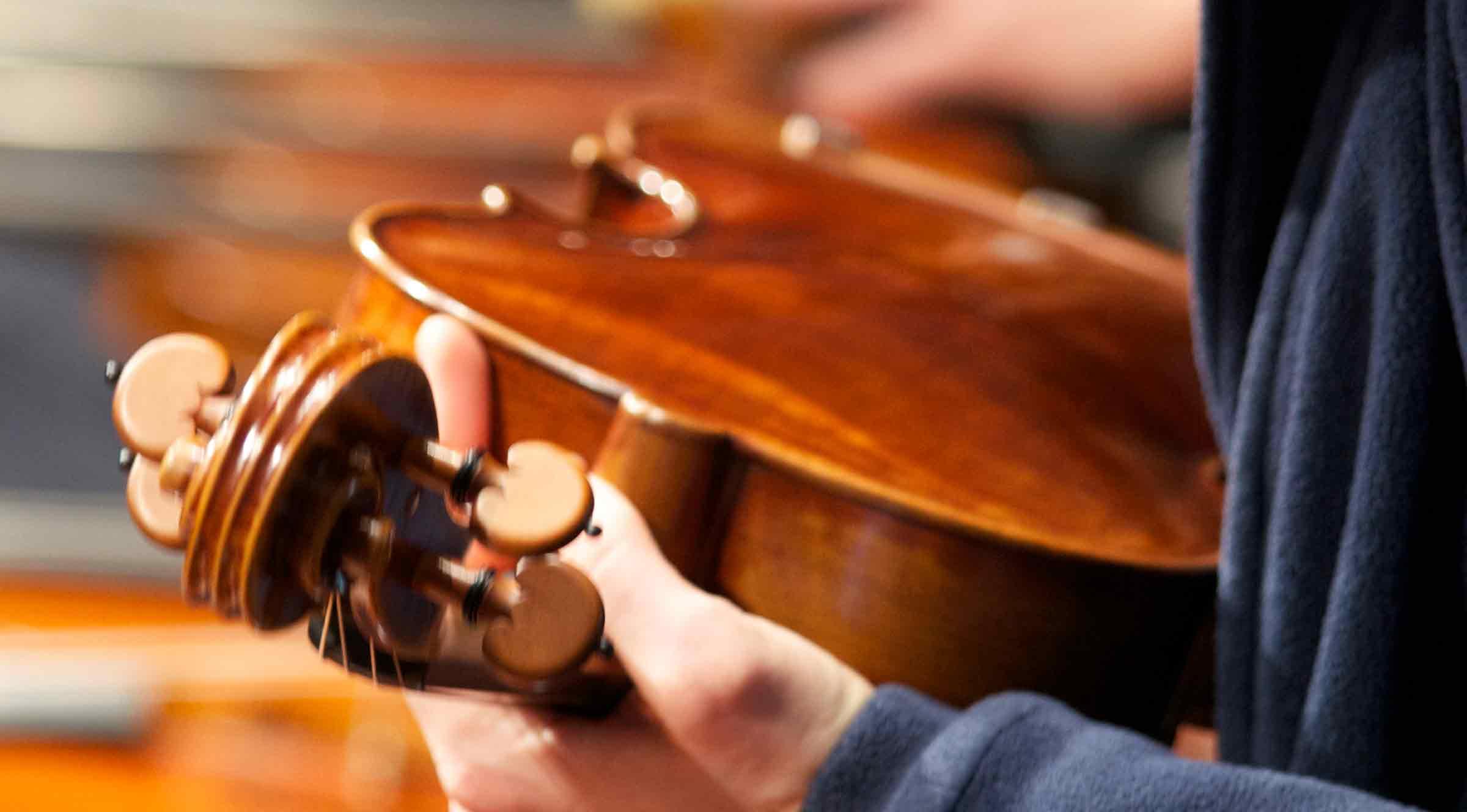 Geige Saiten unten