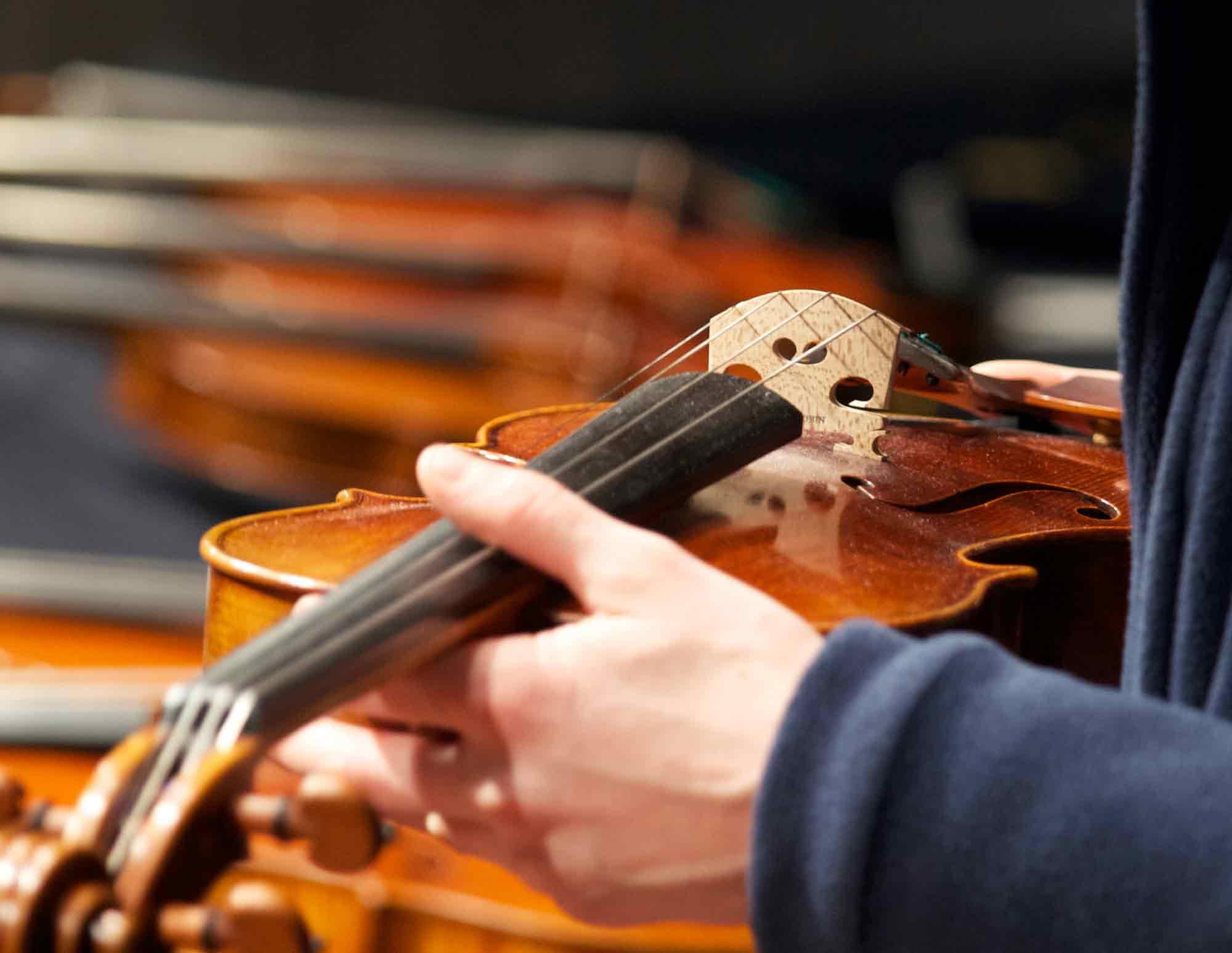 Geige, Saiten oben